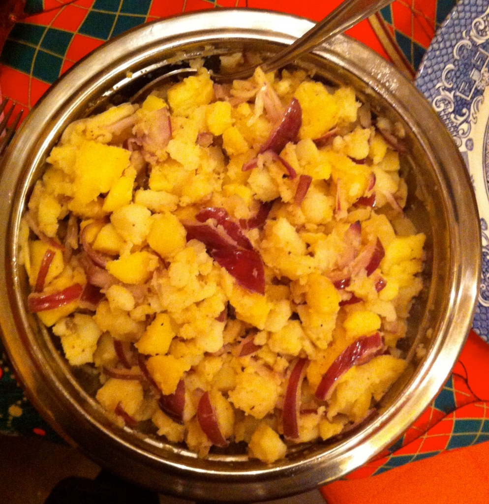 Potato salad with red onions and